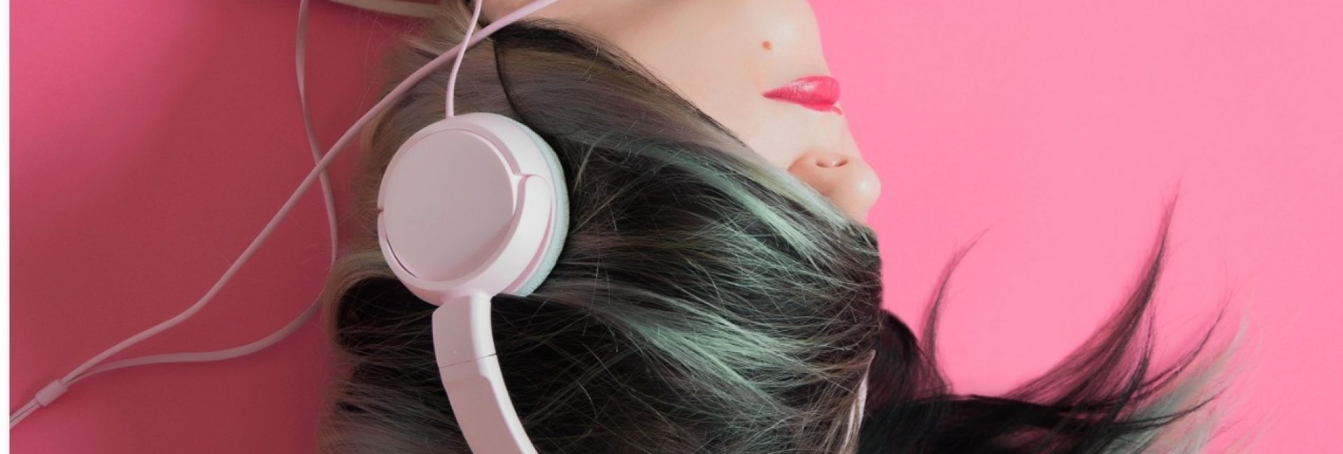 binaural-beats-headphones-pink_edited